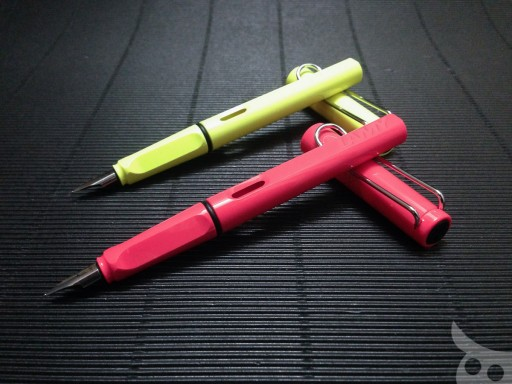 Lamy Neon Coral-08