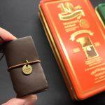 นักเดินทางแฟนพันธุ์แท้ห้ามพลาด! TRAVELER'S notebook Mini 10th Anniversary Can Set