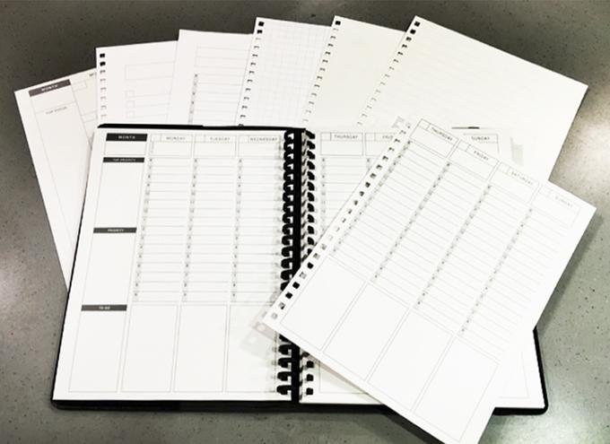 ANEW FOLIO มาพร้อมกับหน้ากระดาษลบได้เพียบพร้อมด้วยคุณสมบัติของ Planner อย่างแท้จริง (ที่มา : Kickstarter.com)